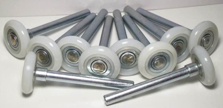 garage-door-rollers-photo.jpg